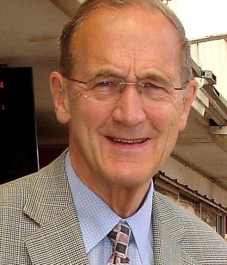 Sir Geoffrey Cass Kt, FInstD